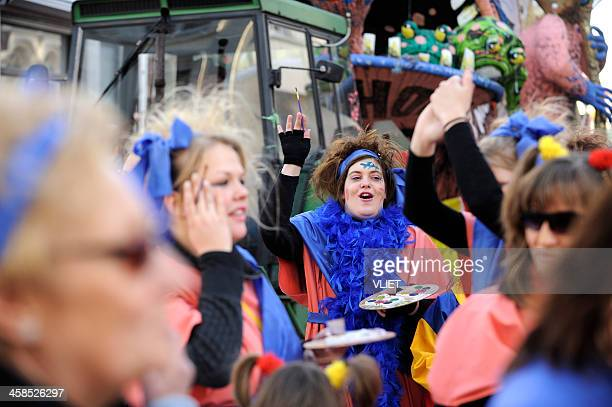 street carnival parade in 's hertogenbosch - 's hertogenbosch stockfoto's en -beelden