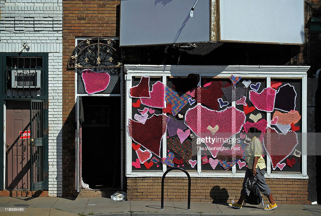 H street celebrates completion of construction with an Art Walk including a yarn bombing in Washington, DC. : News Photo