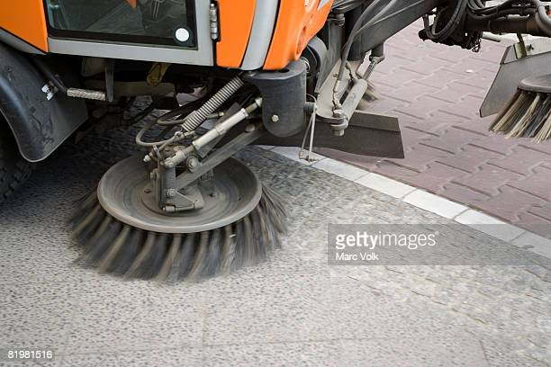 a street cleaning machine - street sweeper stock pictures, royalty-free photos & images