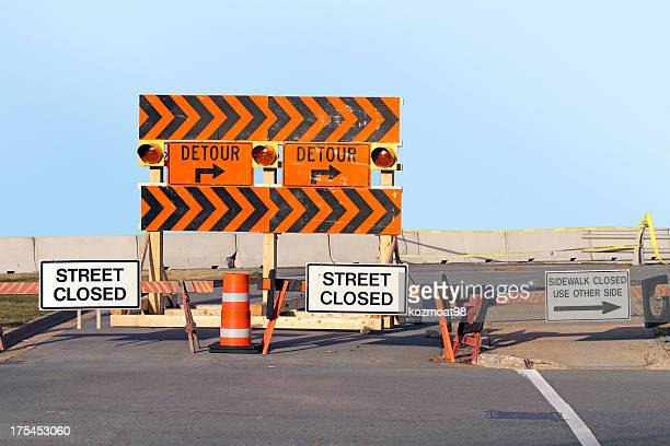 street closed, detour signs - detour sign stock photos and pictures