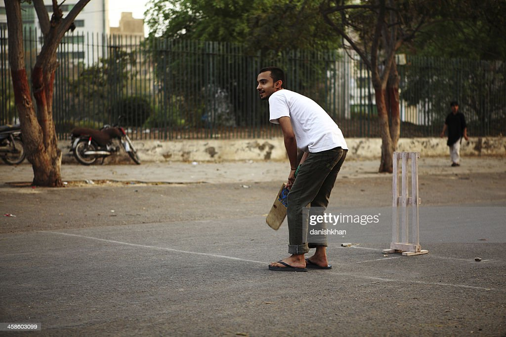 Street Cricket On Karachi Roads Pakistan Stock Photo