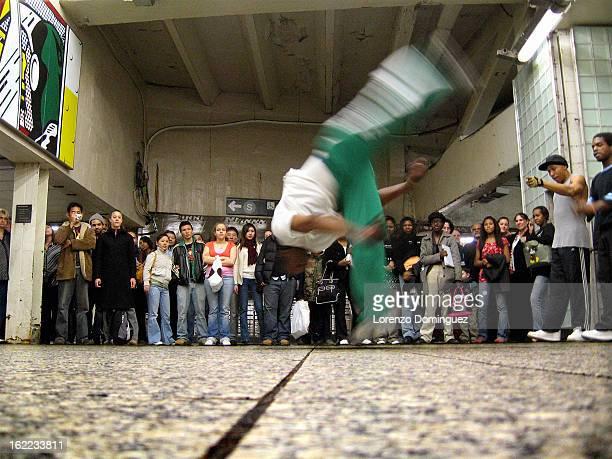 CONTENT] street dancer new york city street performer acrobat acrobatics break dancing Lichtenstein