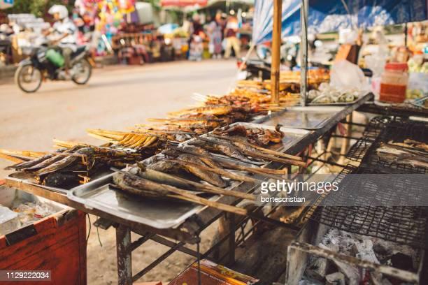 street food for sale - bortes stockfoto's en -beelden