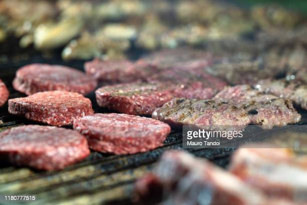 street food, roasted, grilled - mauro tandoi stock pictures, royalty-free photos & images