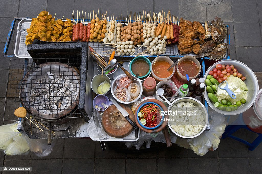 Street food stall in Silom, elevated view : Foto stock