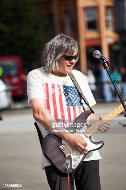 Street Guitar