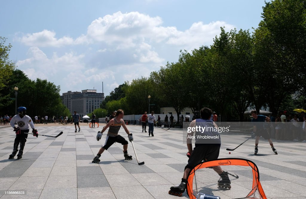 Dangerous Heat Wave Grips Two-Thirds Of The Nation : News Photo