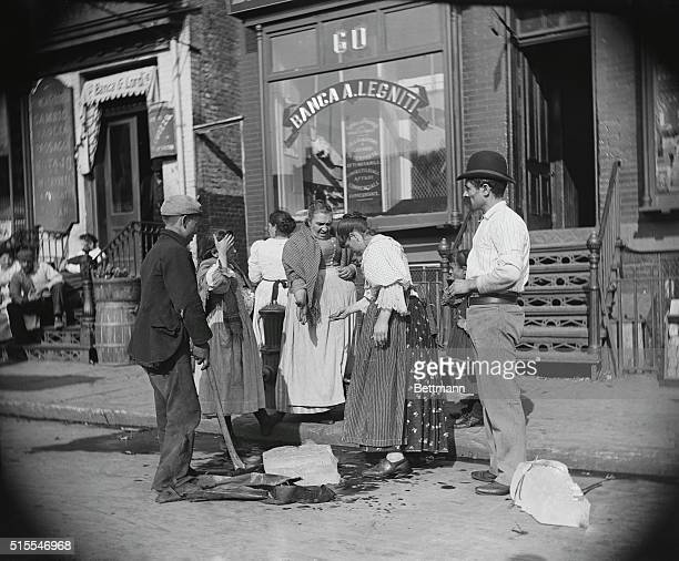 A street ice vendor at Mulberry Street