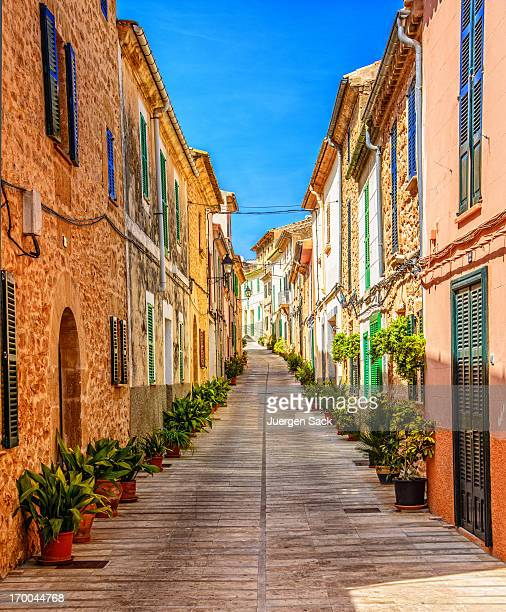 street in alcudia (mallorca) - majorca stock pictures, royalty-free photos & images
