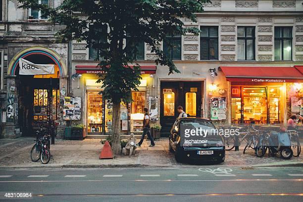 street in berlin, prenzlauer berg - prenzlauer berg stock photos and pictures
