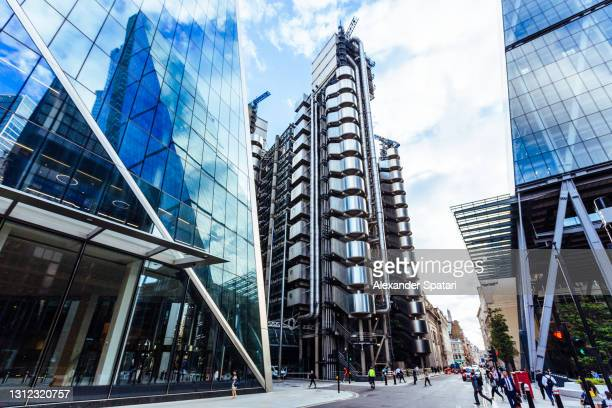street in city of london with modern office buildings, england, uk - high street stock pictures, royalty-free photos & images