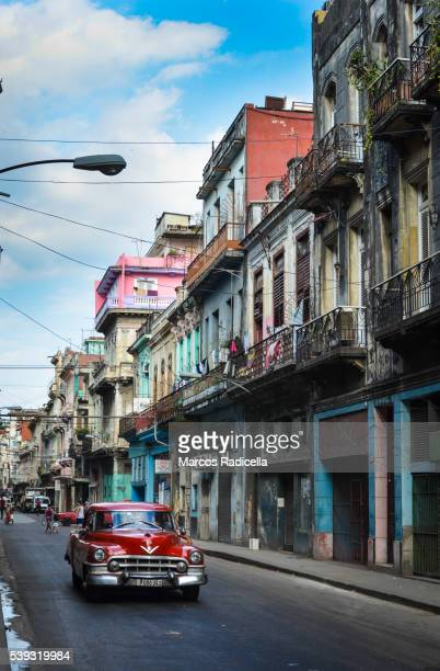 street in habana vieja, cuba. - radicella stock pictures, royalty-free photos & images