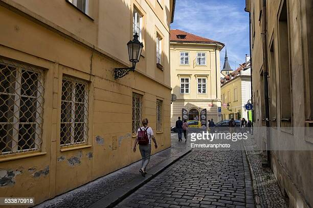 street in old town prague - emreturanphoto stock pictures, royalty-free photos & images
