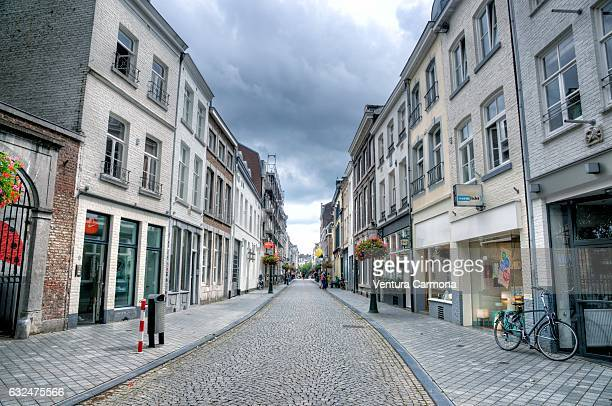 street in the old maastricht city (the netherlands) - マーストリヒト ストックフォトと画像
