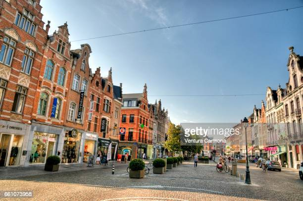 street in the old town of mechelen - belgium - städtische straße stock pictures, royalty-free photos & images