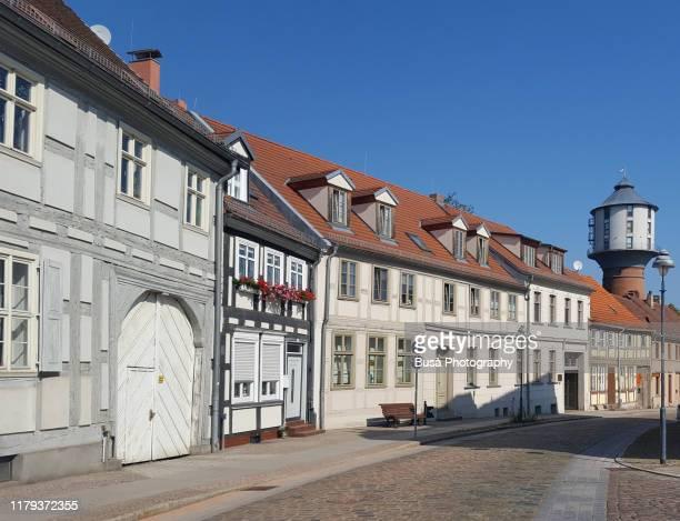 street in the town of nauen in brandenburg, germany - land brandebourg photos et images de collection