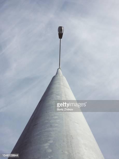 street lamp pole. - paal stockfoto's en -beelden