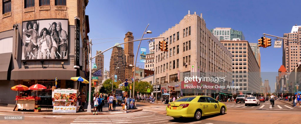 Street life. Urban landscape. Brooklyn, New York, USA : Foto de stock