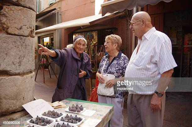 street market in the city - toerist stock pictures, royalty-free photos & images