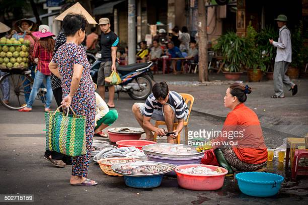 CONTENT] Street market is very popular in Vietnam