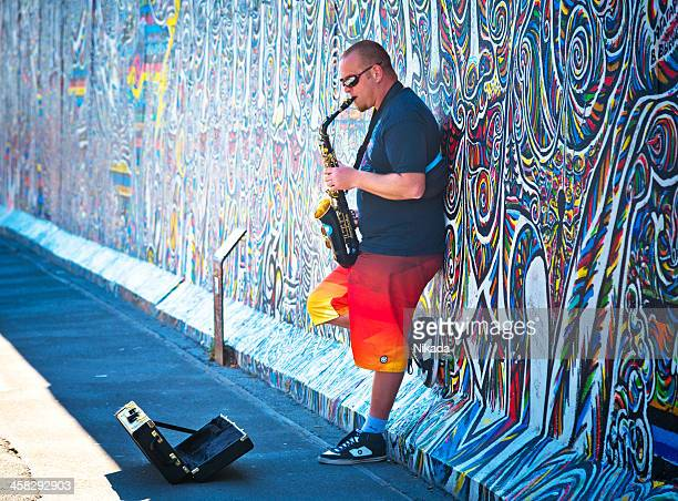 street musician in berlin - entertainment occupation stock pictures, royalty-free photos & images