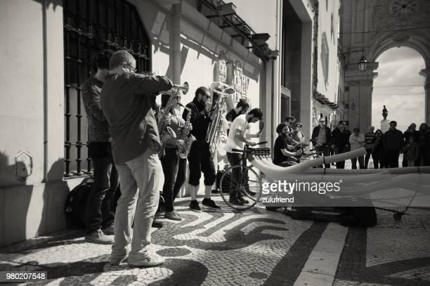 ストリートミュージシャンセカテドラル - バイシャ ストックフォトと画像