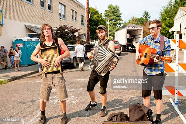 street musicians in portland - accordion instrument stock pictures, royalty-free photos & images