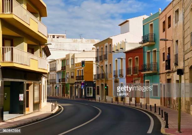 street of gata de gorgos - alicante fotografías e imágenes de stock