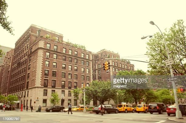 street ニューヨークの - アッパーイーストサイドマンハッタン ストックフォトと画像