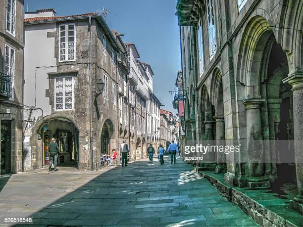 street of santiago de compostela - provincia de a coruña fotografías e imágenes de stock