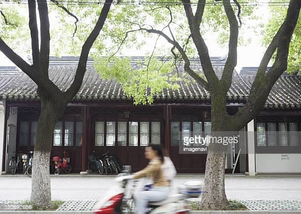 street of suzhou - province du jiangsu photos et images de collection