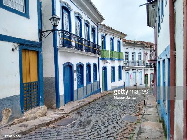 street of the colonial city of ouro preto - minas gerais - brazil - preto stock pictures, royalty-free photos & images