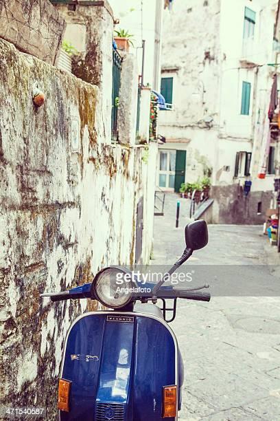 通りの Vietri タウン、イタリア
