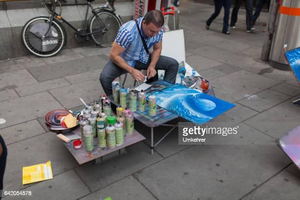 straße maler in wien - umkehrer stock-fotos und bilder