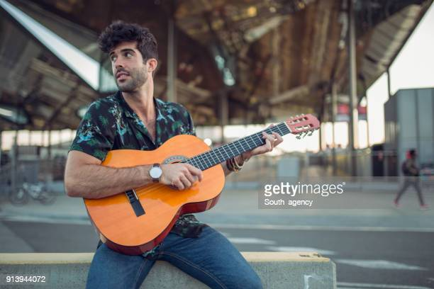 street performer - busker stock pictures, royalty-free photos & images