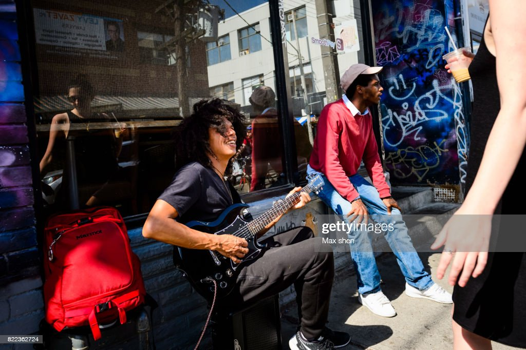 Street performers in Toronto city, Canada. : Stock Photo