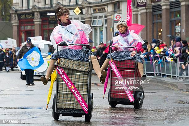 Street performers walk past St Paul's Cathedral take part in the Lord Mayor's Show in London United Kingdom on November 11 2016 Since 1215 every...