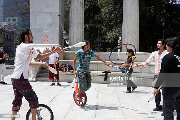 ストリート performes メキシコシティーの - シウダッドフアレス ストックフォトと画像