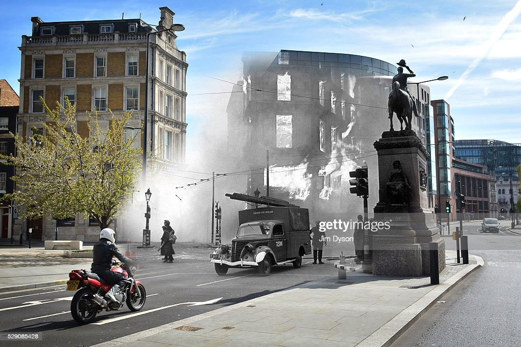 Scenes From The London Blitz - Now and Then : News Photo