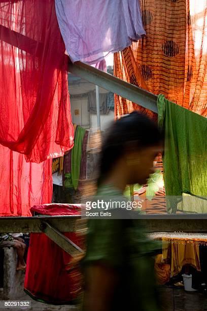 Street scene in Dharavi, Asia's largest slum, located in Mumbai, India.