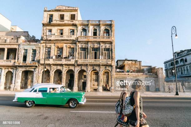 street scene in havana, cuba - havana stock pictures, royalty-free photos & images