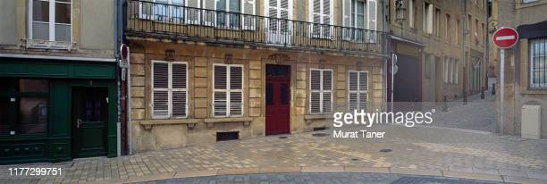 street scene in metz - moselle france stock pictures, royalty-free photos & images