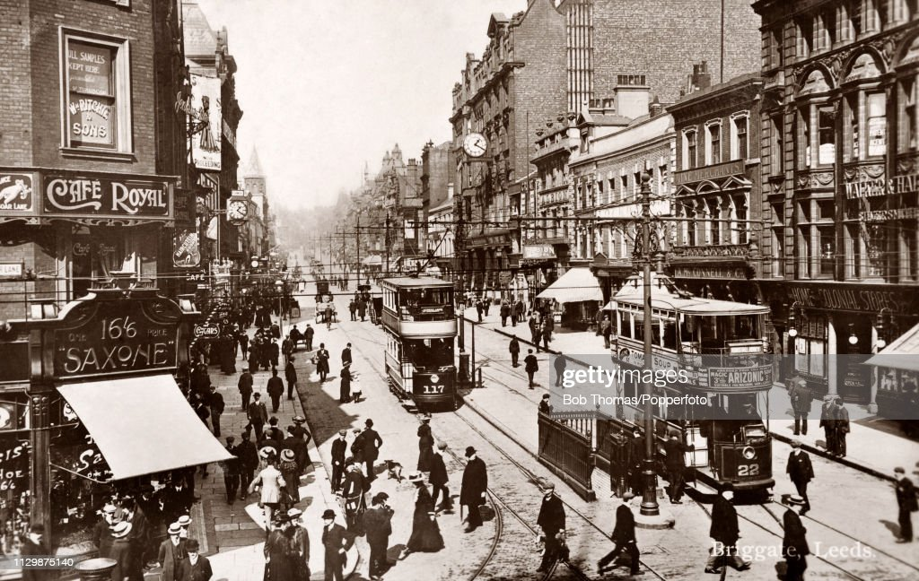 Briggate In Leeds - Vintage Postcard : News Photo