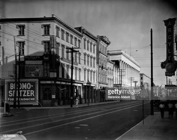 Street scene USA 1934