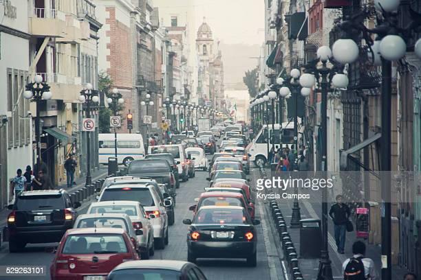 street scenes at the city of puebla - mexico - enfoque diferencial fotografías e imágenes de stock