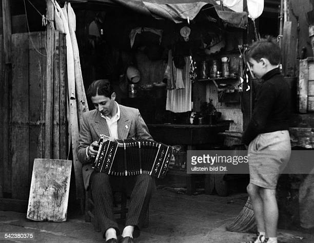 Street scenes from Buenso Aires A bandoneon player in Buenos Aires 1937 Vintage property of ullstein bild