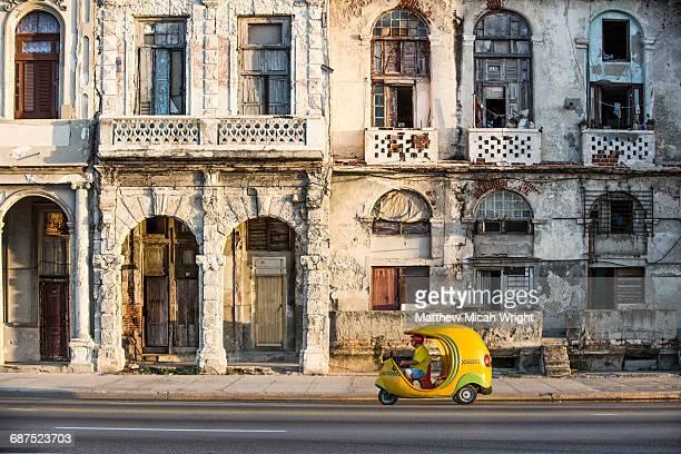 street scenes through havana city. - havana stock pictures, royalty-free photos & images
