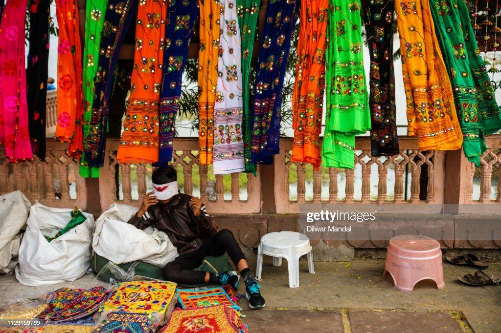 Street seller at Jal Mahal : Stock Photo