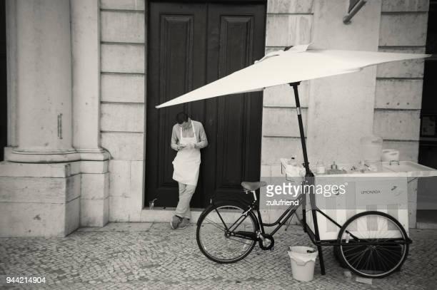 リスボンの街頭販売 - バイシャ ストックフォトと画像