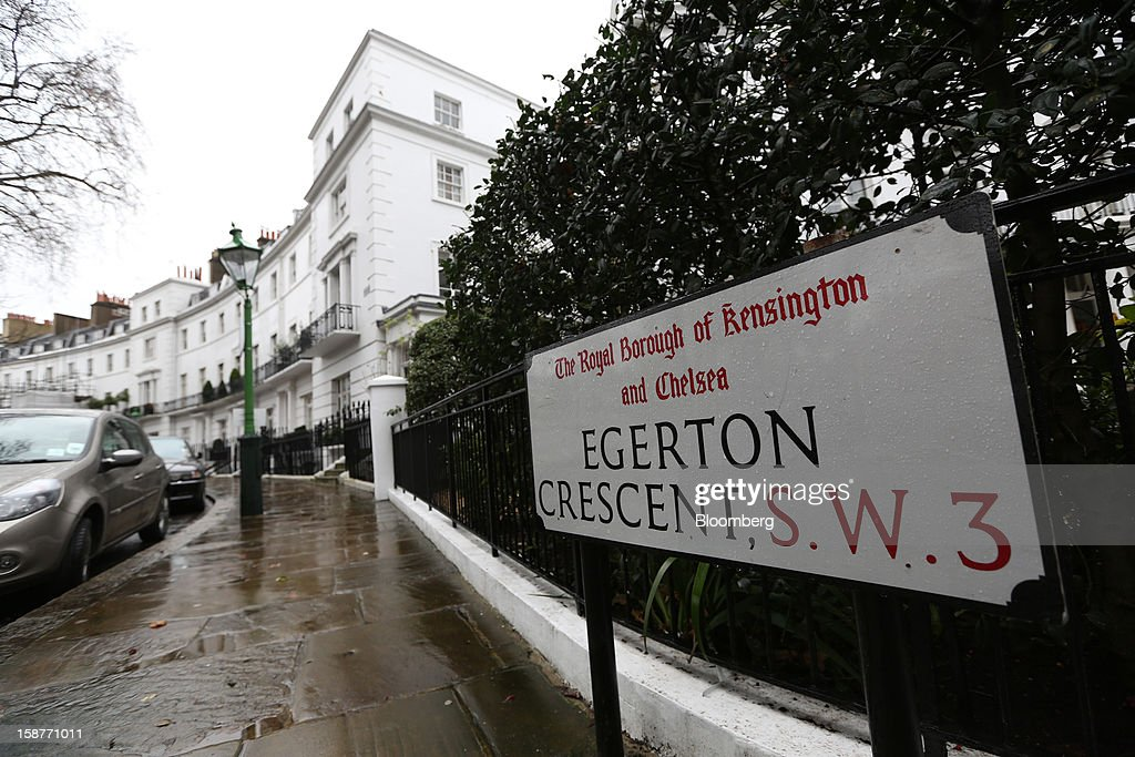 A street sign is seen on Egerton Crescent in the Kensington and Chelsea borough of London, U.K., on Friday, Dec. 28, 2012. Egerton Crescent, close to Harrods luxury department store in Knightsbridge, is the most expensive address in the borough, with an average property value of 8.14 million pounds ($13.2 million), Lloyds TSB said. Photographer: Chris Ratcliffe/Bloomberg via Getty Images